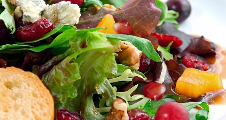 Asian-Pear-and-Gorgonzola-Salad-main