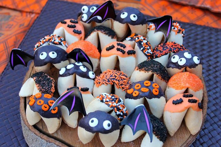 spooky halloween fortune cookies
